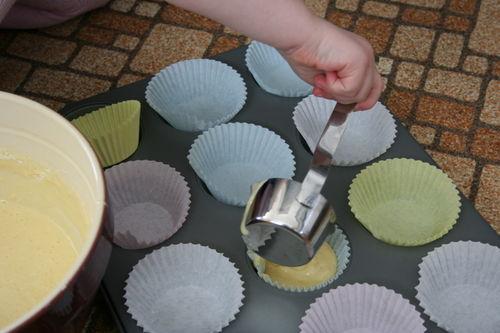 Mariam baking muffins