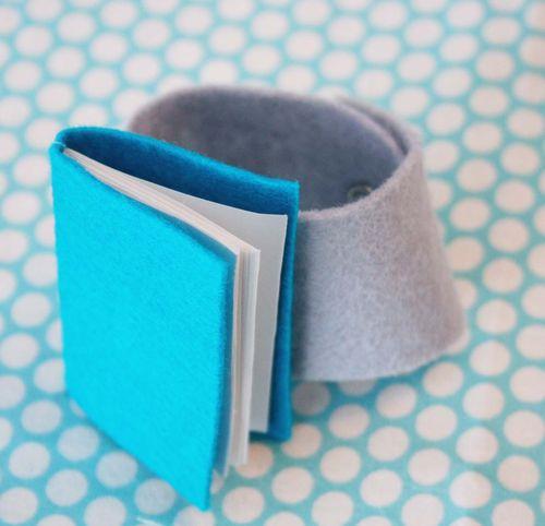 Bracelet book 8